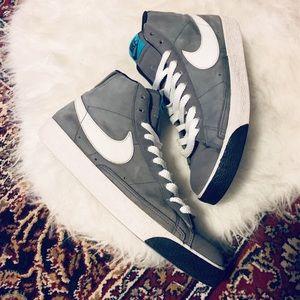 Retro 2009 Nike Blazer High Top Sneakers